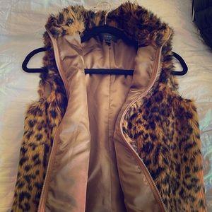 NWOT J.Crew Faux Fur Léopard Vest
